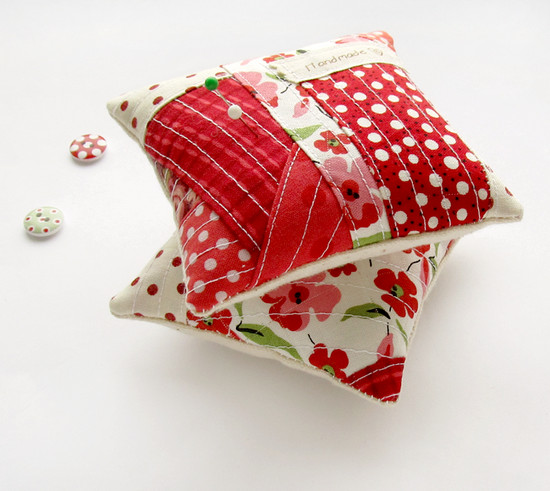 Red Pincushions, игольницы