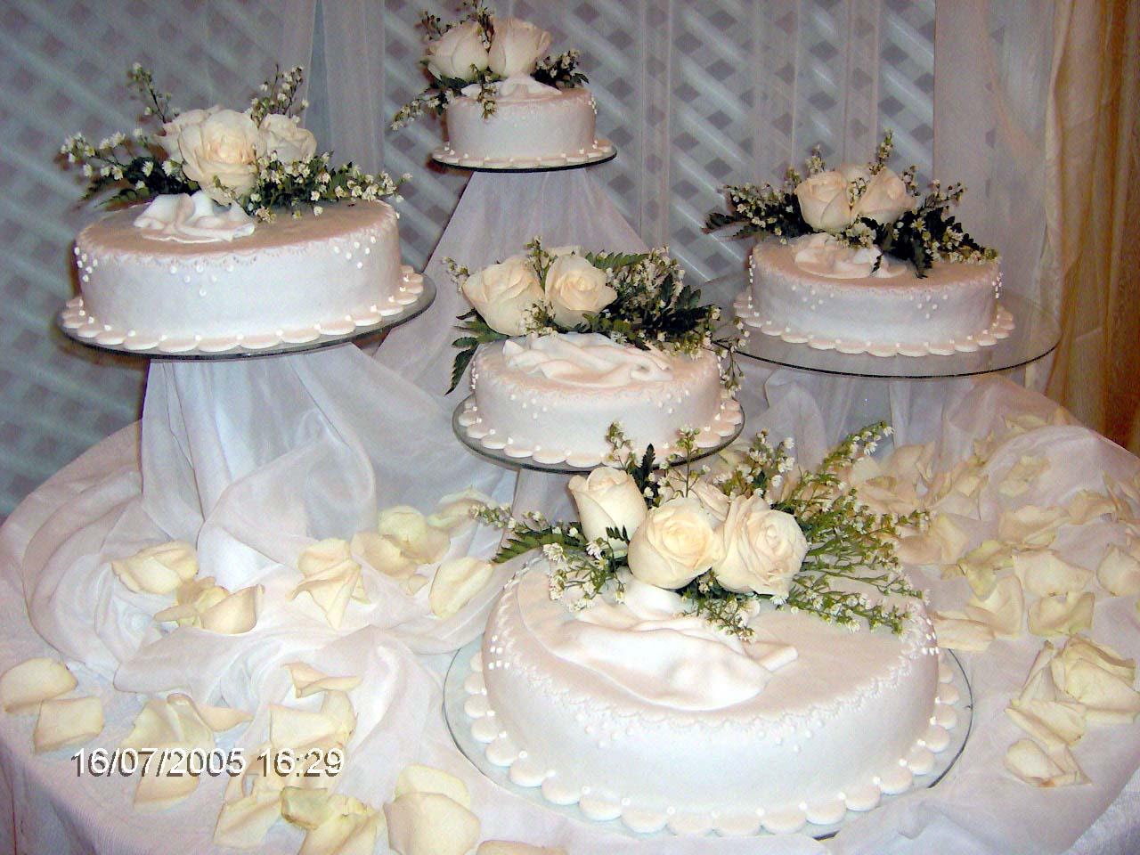 Tortas decoradas para bodas y quince a os en valencia for Tortas decoradas sencillas