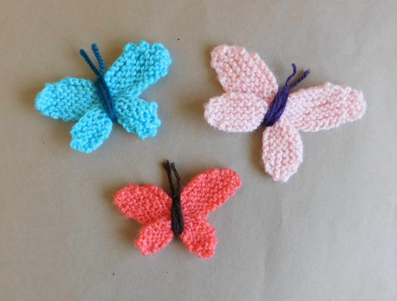 Knitting Pattern For Butterfly : mariannas lazy daisy days: Knitted Butterflies