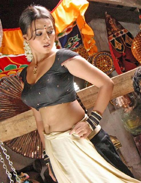 Sana Khan 1