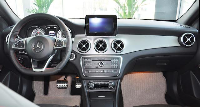 Ghế ngồi Mercedes GLA 250 4MATIC thể thao được bọc da cao cấp