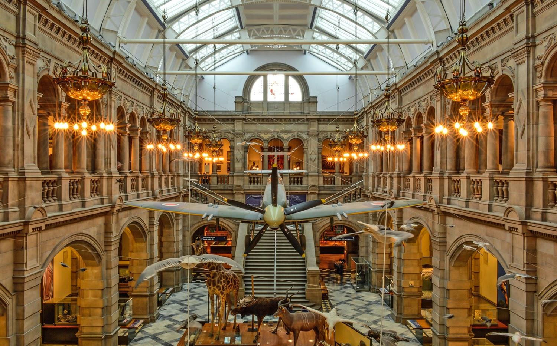 Exhibition Displays Glasgow : Kelvingrove art gallery museum glasgow britain visitor