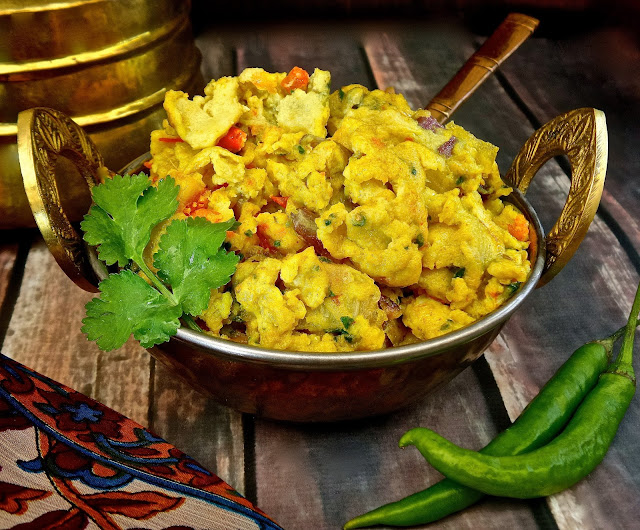 akoori, akuri, cilantro, cili, cream, easy, eggs, garam masala, garlic, ginger, green chili, milk, parsi, Recipe, scrambled, tomato, parsi scrambled eggs, parsee,