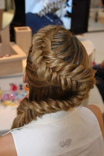 Supreme Stylish Hair Styles For Best Girl's 2013