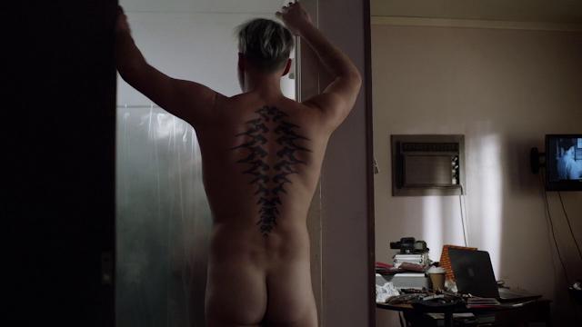 julian-mcmahon-getting-naked-anjelah-johnson-naked