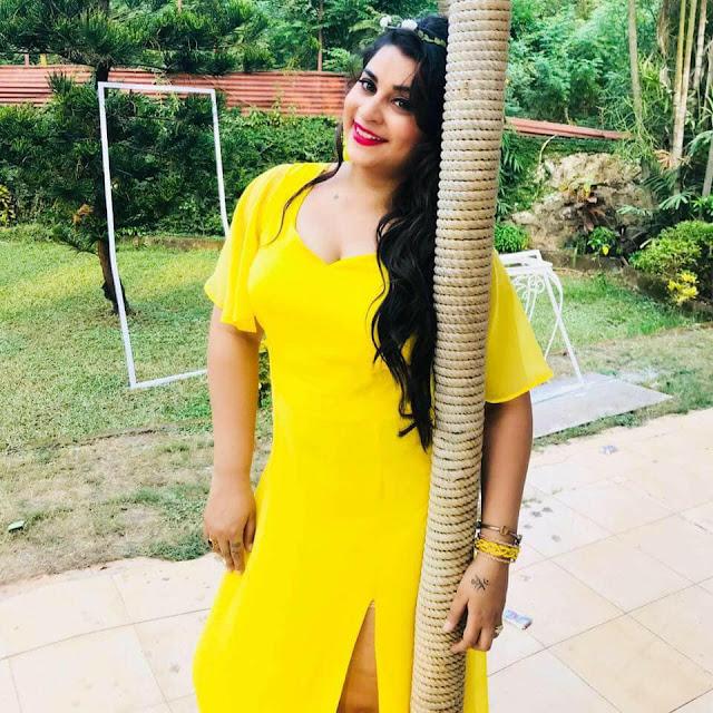 Anara Gupta 2019 HD Wallpaper backless dress