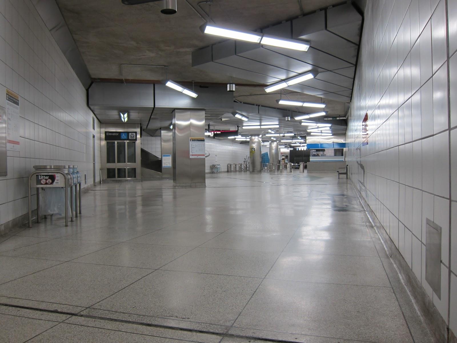 Photo: mezzanine level at Bayview station