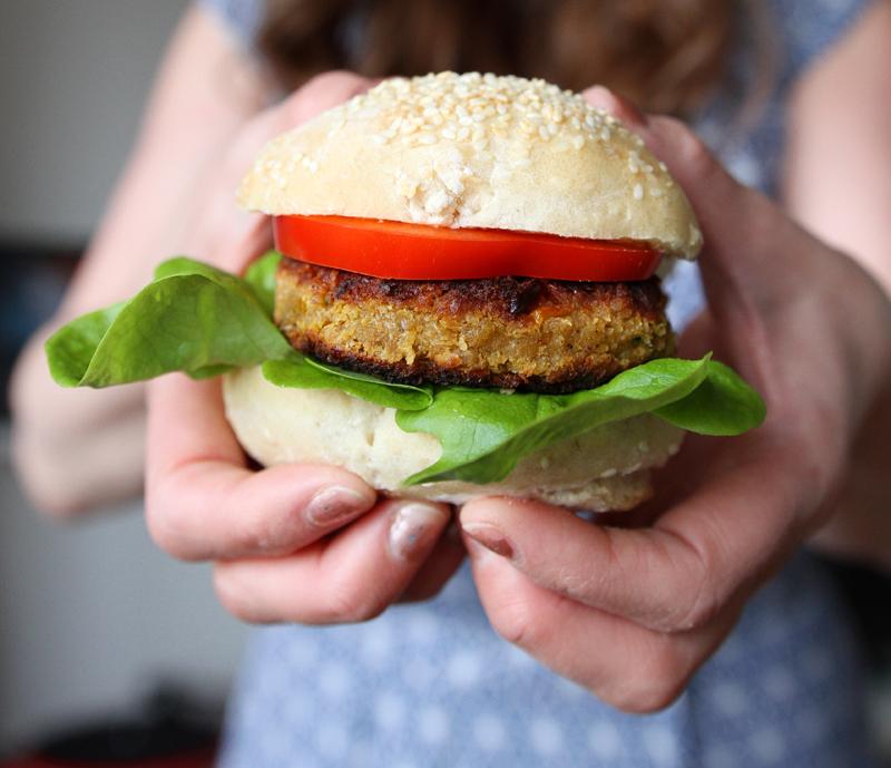 Kokebok 50 Kjøttfrie Burgere Veganmisjonen Vegansk Burgerbok Oppskrift Vegetarburger Cappelen Damm Jane H. Johansen