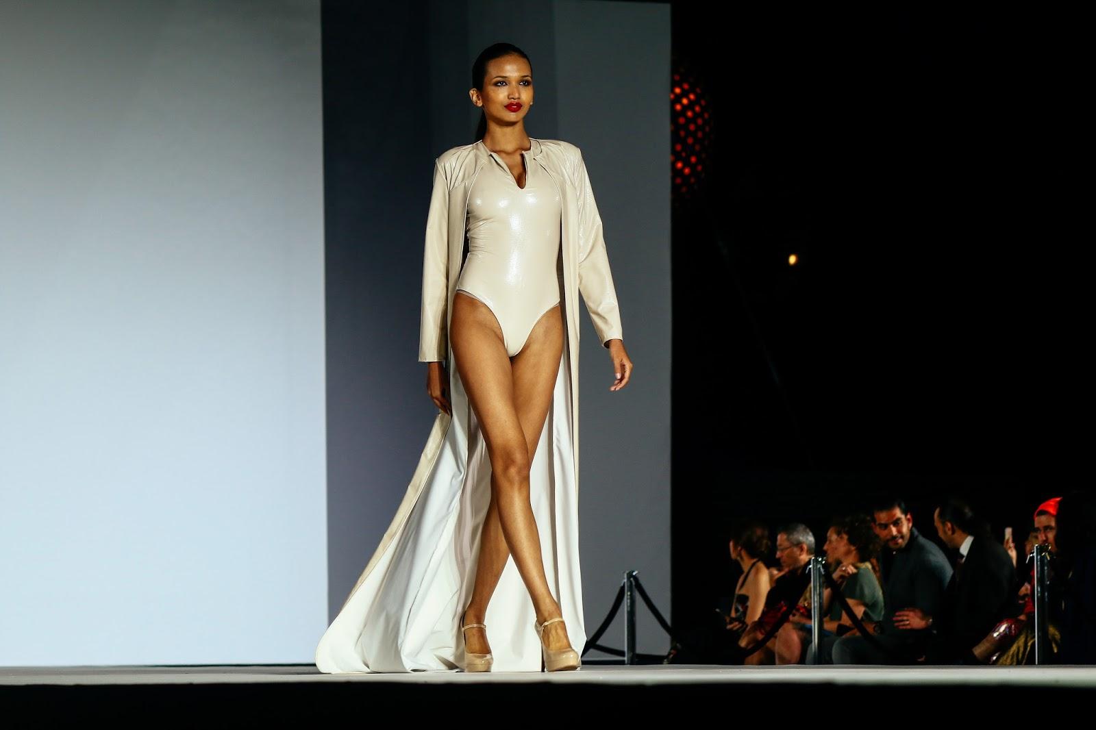 Style Fashion Week Dressing Wildfire