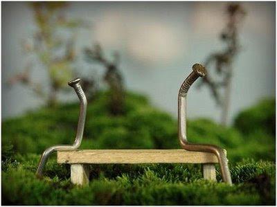 """Duduk berdua-duaan tanpa sebarang ikatan hendaklah dihindarkan. Bila berdua-duaan pasti akan datang yang """"ketiga"""" menggoda & menguji keimanan"""