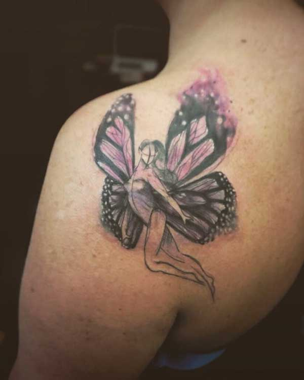 kelebek kız omuz dövmesi
