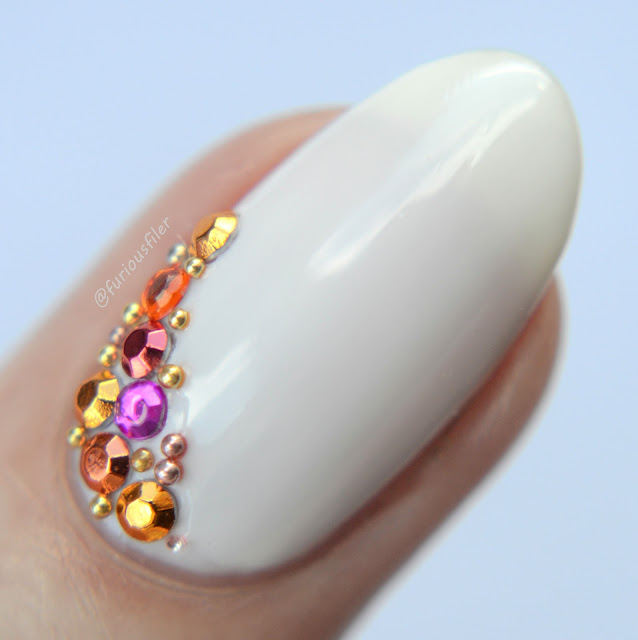 rhinestones nude marco close up nails beads gemstones