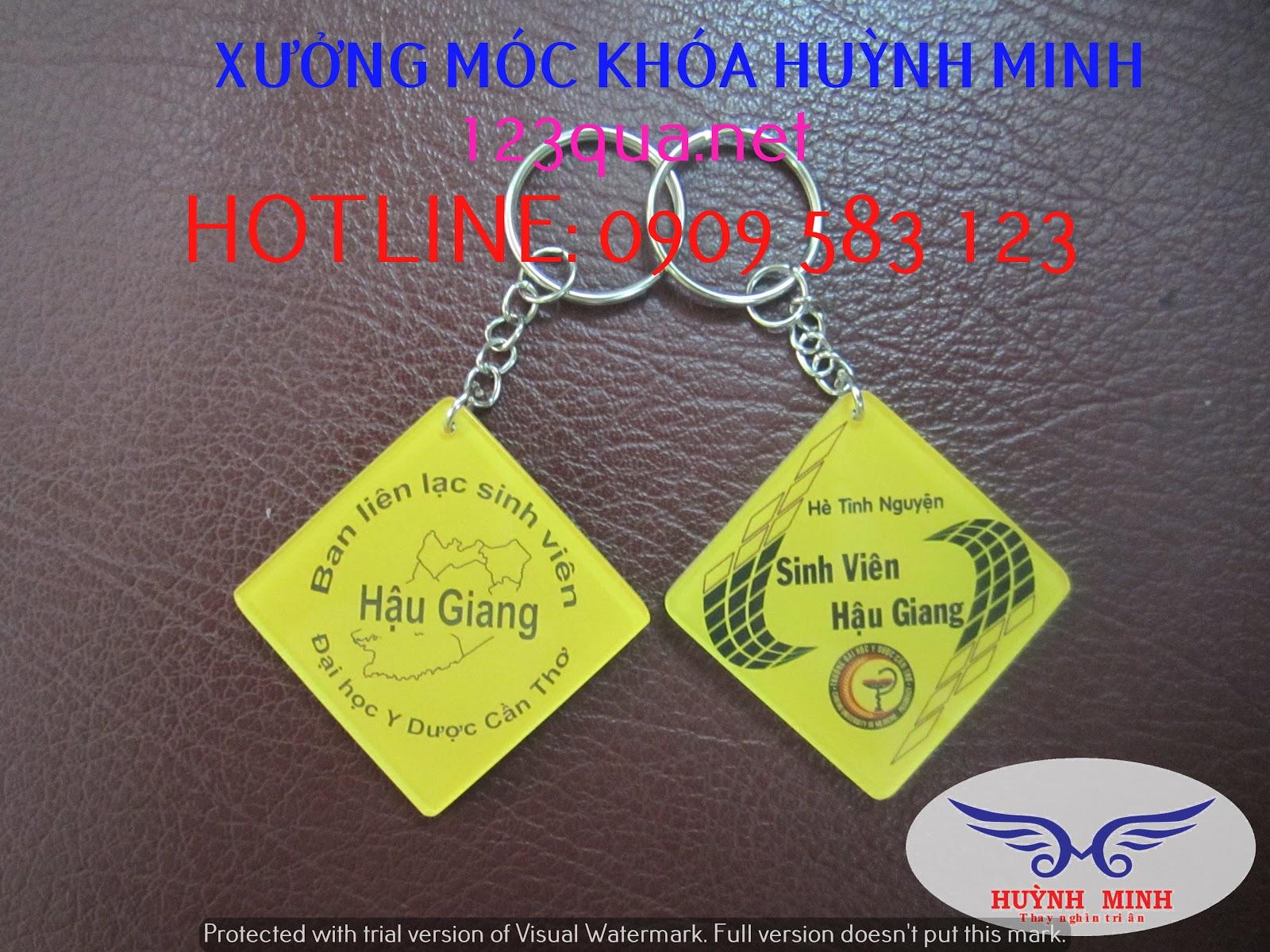 Cơ sở gia công móc khóa mica, móc khóa nhựa dẻo, móc khóa simili, móc khóa thiết kế theo yêu cầu