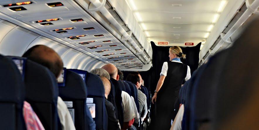 Il serio problema della molestie nei voli aerei.