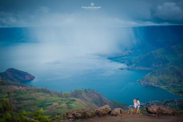 Foto prewedding Di Danau Toba Sumatera Utara , Kini tak perlu mahal tapi keren!