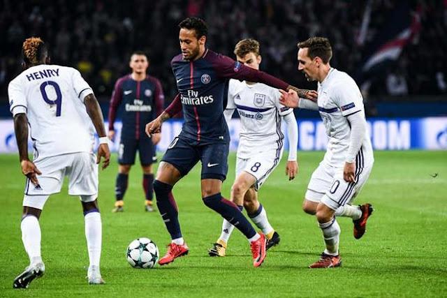 """""""Làm xiếc"""" với bóng: Neymar ăn đứt Messi, Ronaldo """"tầm thường"""" 1"""