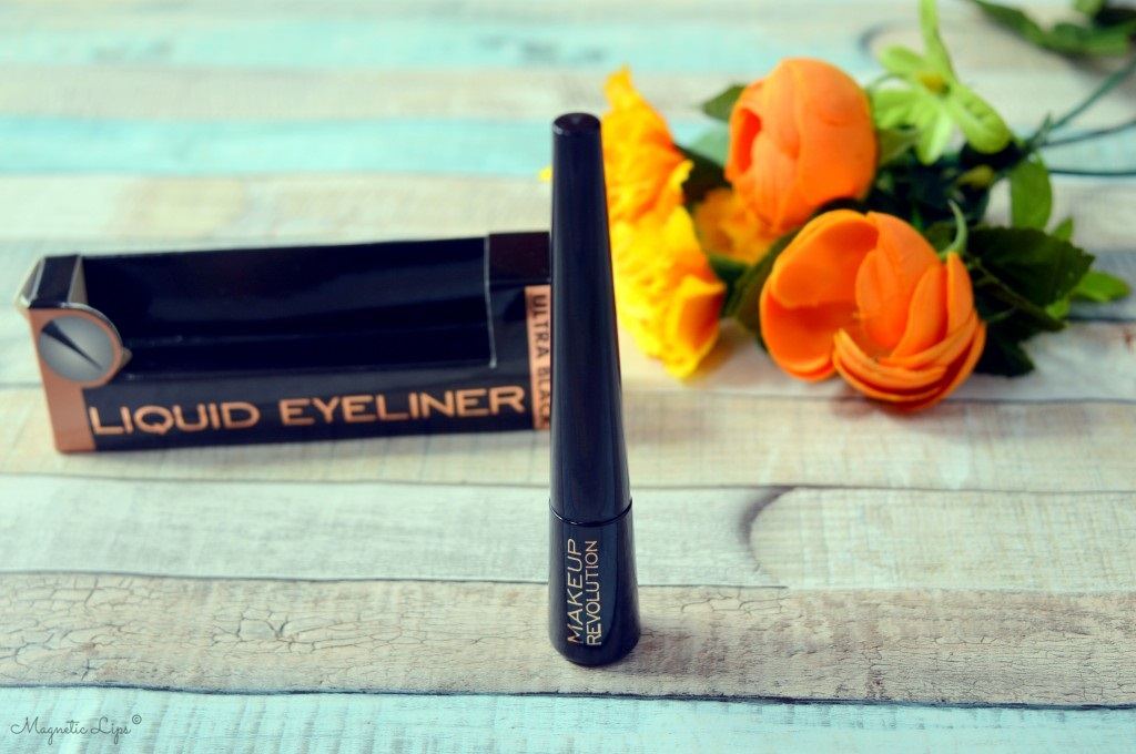 eyeliner do oczu makeup revolution