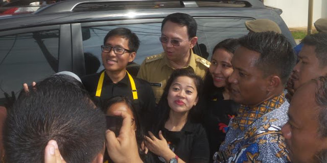 Diajak Demo Tolak Ahok, Warga Rusun Cibesel Malah Minta Foto dengan Ahok