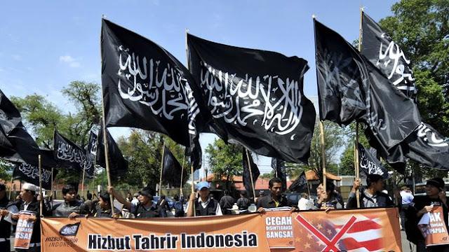 """GMMK Riau : """"Langkahi dulu Mayat Kami Sebelum Bubarkan HTI"""""""