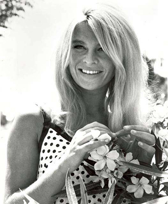 http://the60sbazaar.tumblr.com/post/152486646884/julie-christie