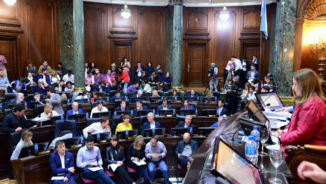 Reconocimiento a la trayectoria de Les Luthiers por la Legislatura porteña