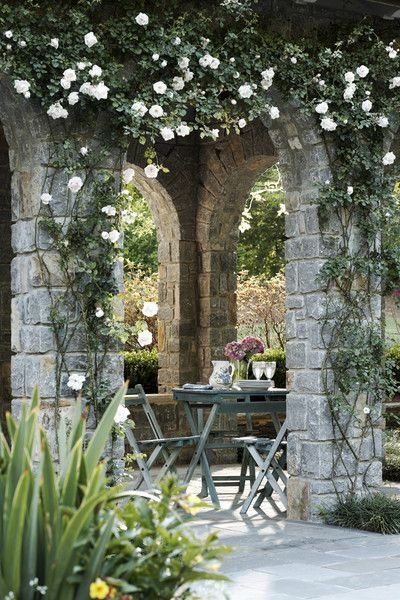 "image via Jeff Herr Photo- collected by linenandlavender.net for ""Alfresco-Outdoor Living"" -  http://www.linenandlavender.net/2014/04/inspiration-file-outdoor-living.html"