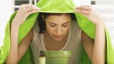 how-to-make-facial-steam-bath طريقة عمل حمام البخار بنفسك في المنزل لبشرة صافية ونقية