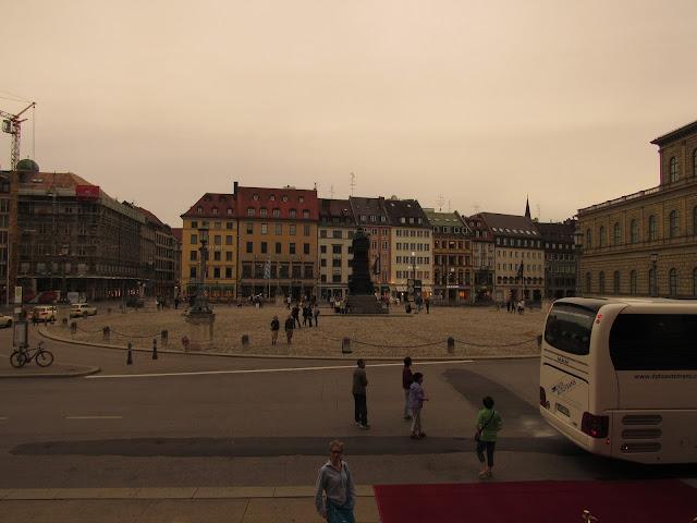 Max-Joseph Platz O que ver em Munique Alemanha