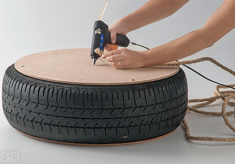 Marvelous Turn An Old Tire Into A Rope Ottoman Idees And Solutions Alphanode Cool Chair Designs And Ideas Alphanodeonline