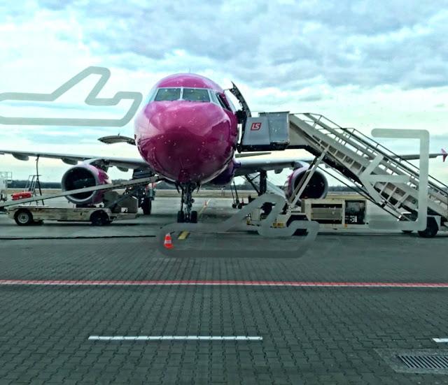 Szukasz tanich lotów? Chcesz znaleźć bilety lotnicze w okazyjnej cenie? Zastanawiasz się, jak tanio podróżować samolotem? Tanie loty samolotem - oto 10 wskazówek jak ich szukać.
