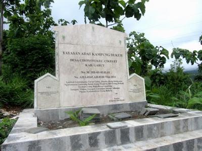 Kampung Adat Kasundaan Orsinil Kampung Dukuh Kecamatan Cikelet Garut Selatan
