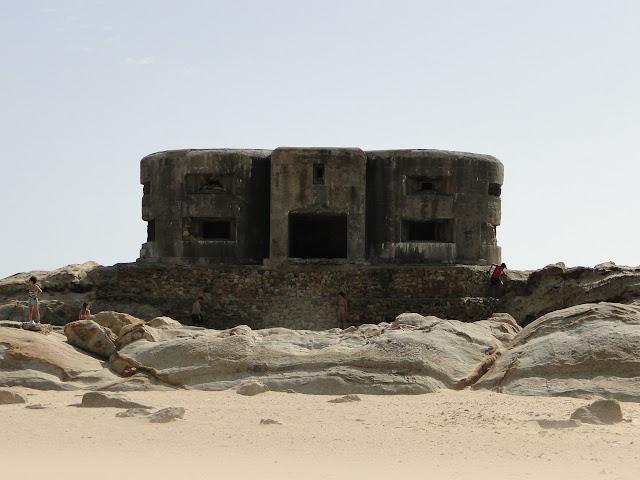 Bunquer en la playa de Zahara de los Atunes