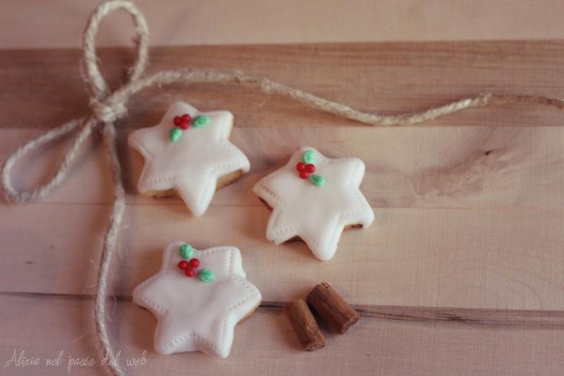 Biscotti Natale Pasta Di Zucchero.Alixia Cafe Decorare Biscotti Di Natale Con La Pasta Di