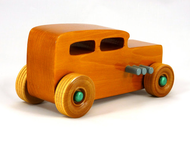 Right Side Rear - Wooden Toy Car - Hot Rod Freaky Ford - 32 Sedan - Pine - Amber Shellac - Metallic Green - Gray