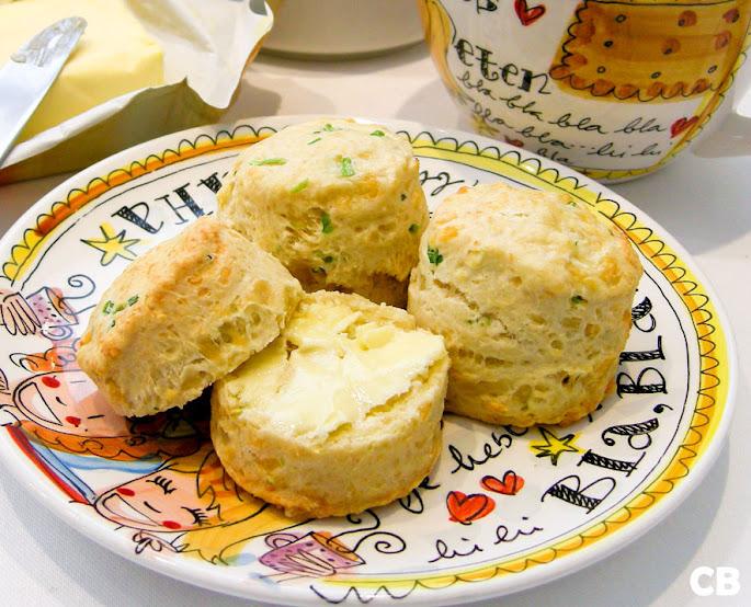 Hartige scones voor een hartige high tea!