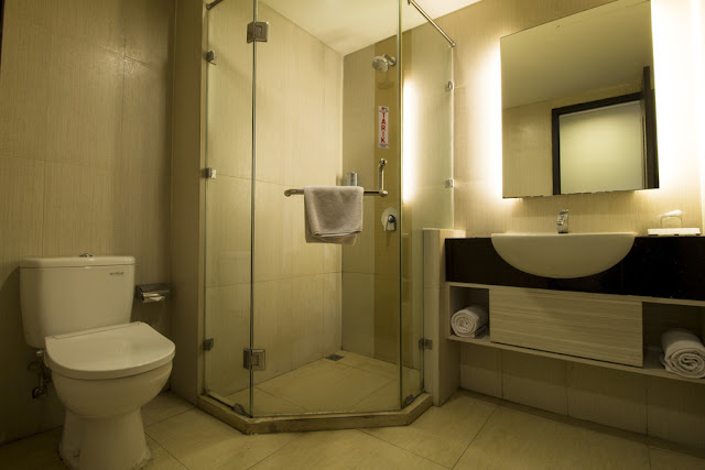 kamar mandi bersih