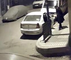 بالفيديو..لصان محترفان يقومان بسرقة عدد من السيارات بالمحمدية بطريقة هوليودية