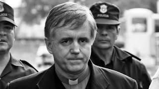 El expediente para la separación del sacerdote está en Roma desde diciembre pasado y ahora depende de Eichhorn recomendarle al Papa Francisco los pasos a seguir.