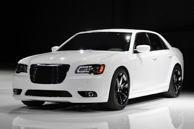Chrysler 300 white color hd wallpapers