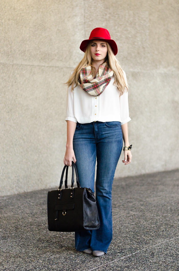 How to Style American Eagle Flared Jeans