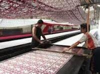 Pembuatan Batik Printing sebagai keterangan dari pengertian seni kriya