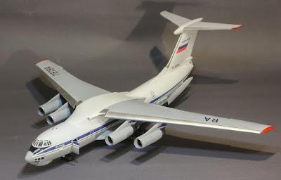 Ilyushin Il-76 picture 1