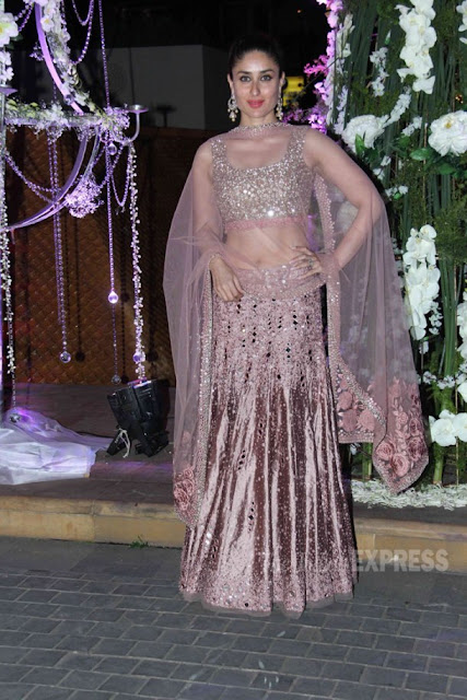 dresses of kareena kapoor khan, kareena in indian wear, kareena in ethnic wear, kareena kapoor at tejas talwalkar wedding
