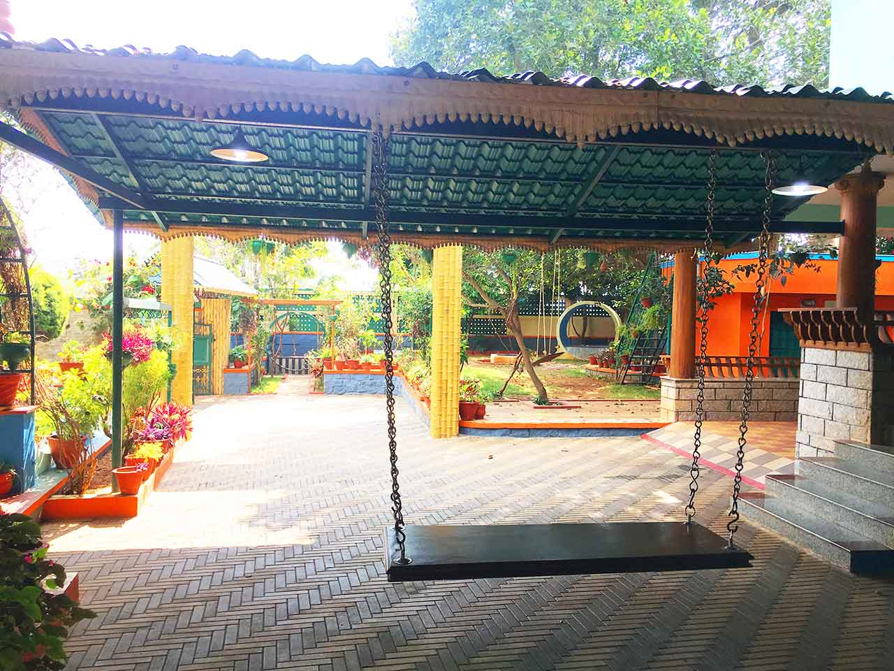 independent luxury villa for family stays in yelagiri
