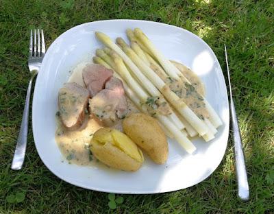 Spargel mit Schweinefilet und Kartoffeln