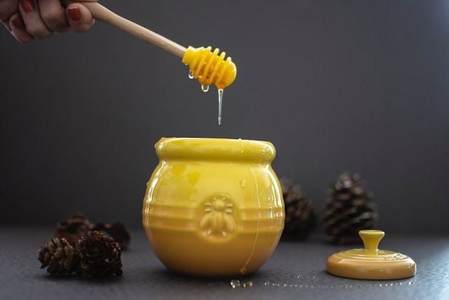 9 Surprising Benefits Of Organic Honey
