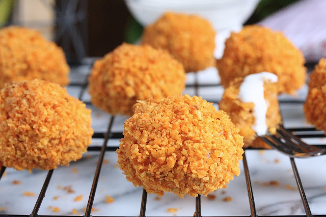 4-Ingredient Doritos Chicken Meatballs