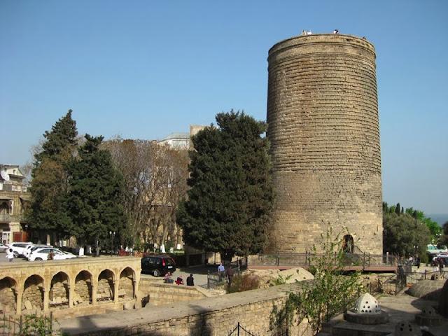 Bakü Kız Kulesi