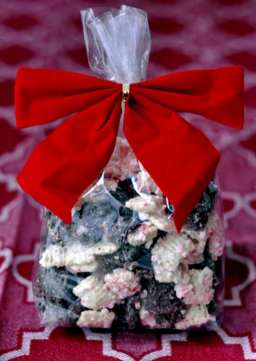 Peppermint-Bark-Puppy-Chow-tasteasyougo.com