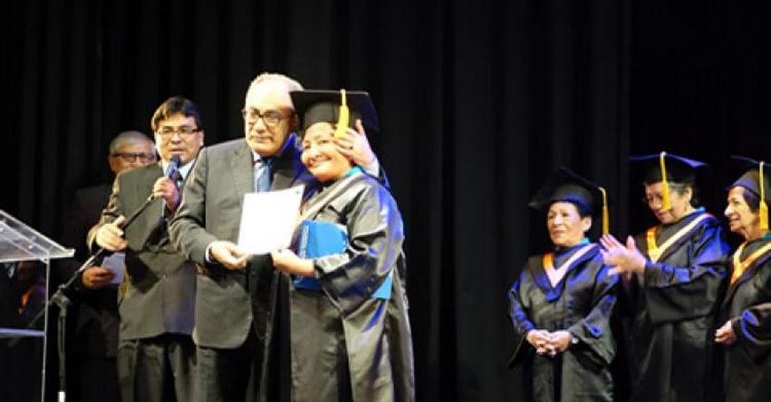 MINEDU: Más de 200 mil personas mayores de 14 años estudian en la Educación Básica Alternativa - www.minedu.gob.pe